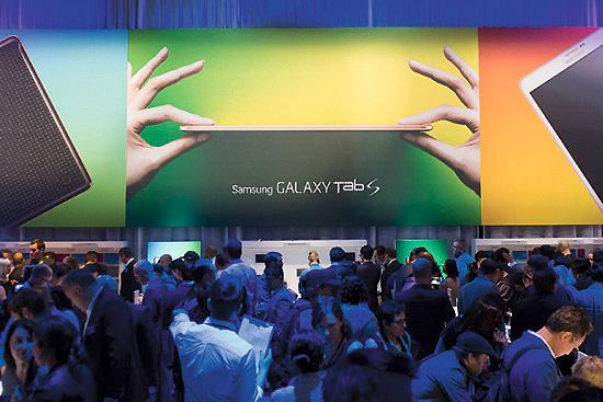 <div align=right><font color=blue>ⓒ삼성전자 제공</font></div>6월12일 열린 '삼성 갤럭시 프리미어 2014'. 20여 년 전 삼성은 OEM 업체에 불과했다.