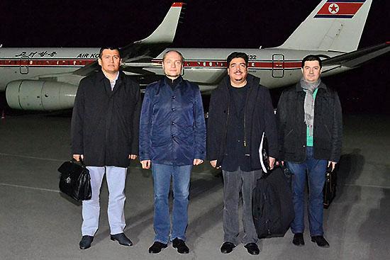 <div align=right><font color=blue>ⓒ평양 조선중앙통신</font></div>10월20일 방북한 갈루슈카 극동개발부 장관(왼쪽 두 번째)은 북한과 '철도 문제'를 논의했다.