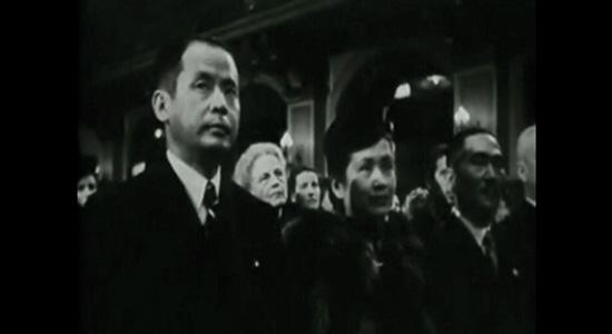1942년 9월18일 베를린 <만주국> 공연장의 에하라 고이치.
