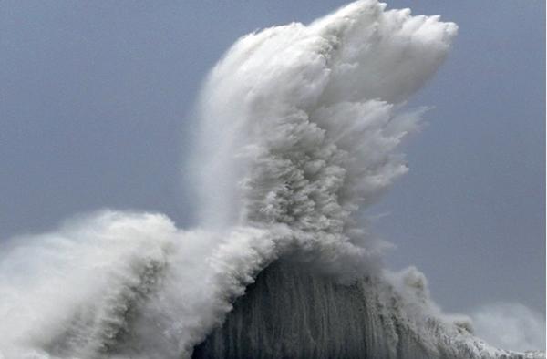 괌에서 마주한 태풍, 취재 계획은 사라지고