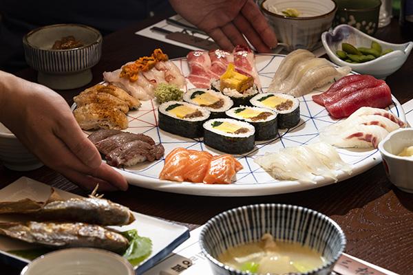 변화와 전통 사이 삼송초밥의 '정중동'
