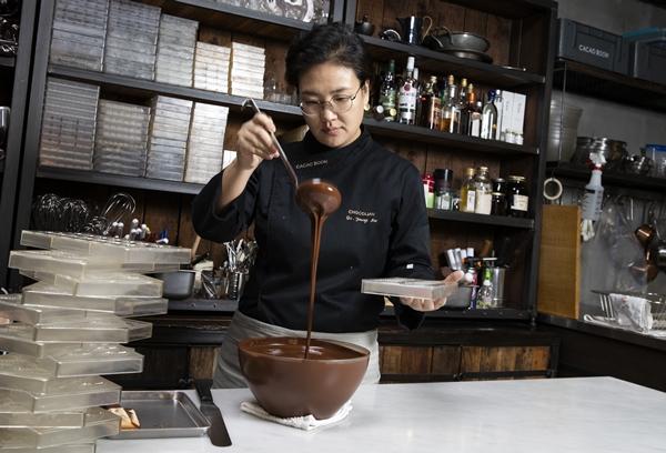 입에서 스르르 녹는 봄날의 초콜릿 이야기