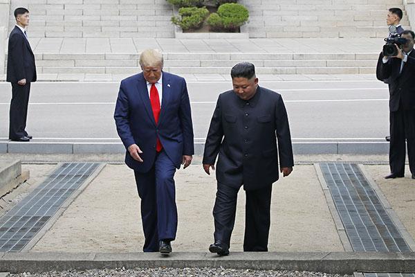 명징하게 직조해낸 '판문점 핵 동결 드라마'