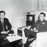 오뚝이 김종필, 역사에 죄를 짓네