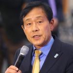 '셀프 연임' 논란에도 3연임 굳히기