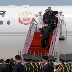 '비핵화' 회담 앞둔 미국의 막판 힘겨루기