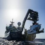 타이태닉 찾아낸 우즈홀 연구소가 스텔라데이지 수색할까?