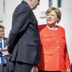 독일로 몰린 난민, 궁지에 몰린 메르켈